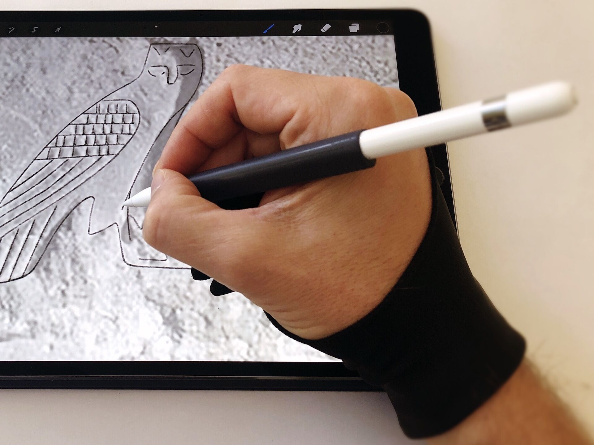 Smudgeguard Drawing Gloves And Their Alternatives A Digital