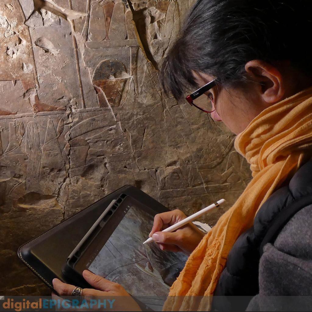 instagram-gallery/Carmen Ruiz Sánchez de León Creating In Situ Pencil Drawings Using Procreate on the iPad Pro